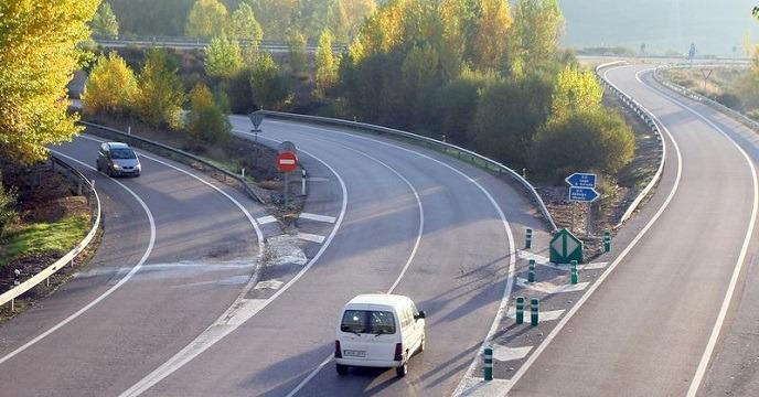 Las víctimas de accidentes de tráfico rechazan subir a 130 el límite en autovías