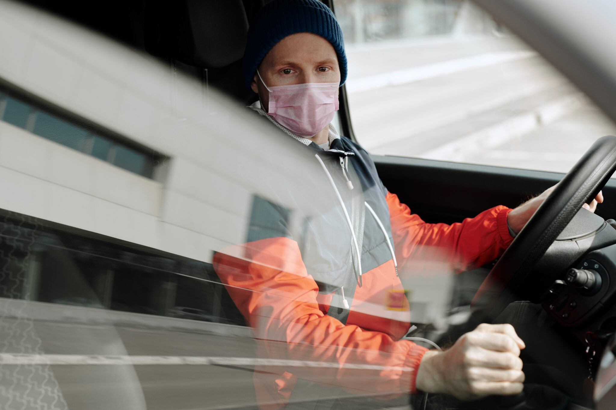 Como evitar problemas conduciendo con mascarilla