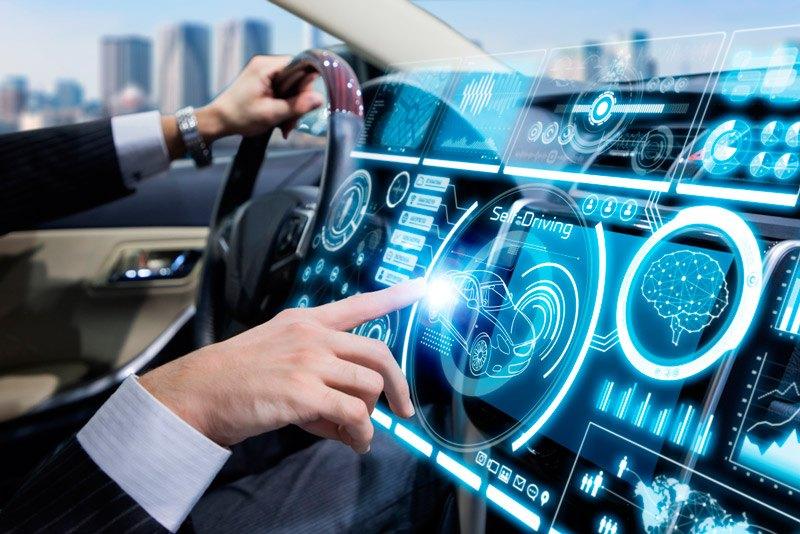 Sistemas ADAS en coche futurista